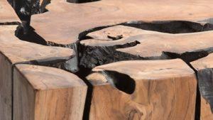 רהיטים ממוחזרים מעץ טיק