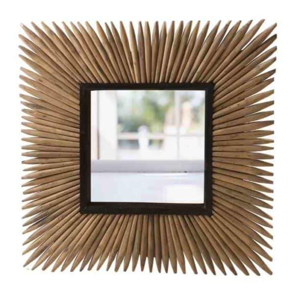 CORDOBA מראה מעוצבת בשילוב עיטורי עץ
