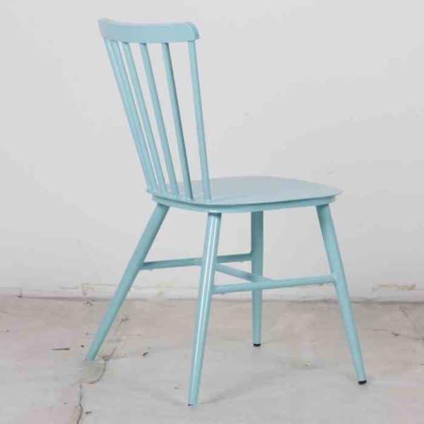 כסא אלומניום וינטאג׳ תכלת