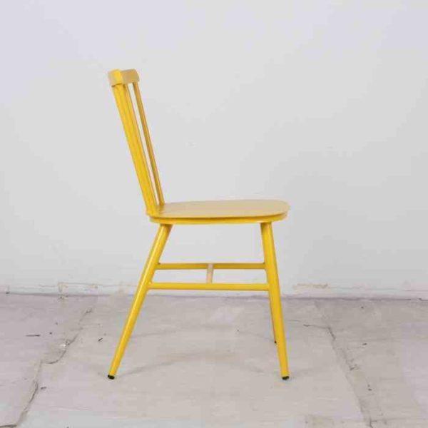 כסא אלומניום וינטאג׳ צהוב