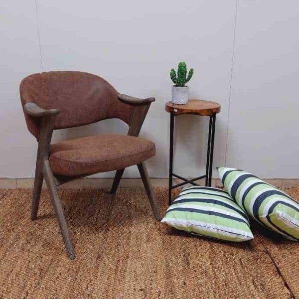 כורסא משולבת עץ וקטיפה