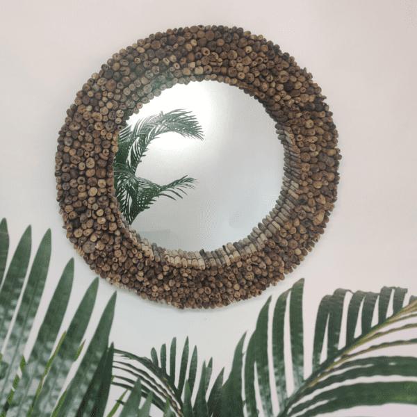 CIRCLE מראה מעוצבת עם עצי סחף